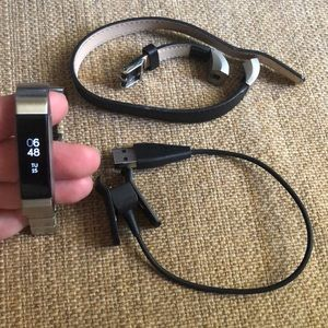 Fitbit Alta + Charger + two bands